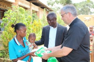 Passing out Bed Nets in Kindu